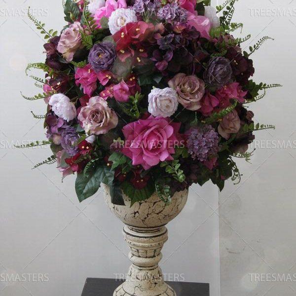 Интерьерная композиция в шамотной вазе