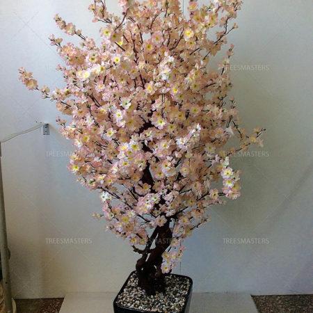 Искусственная сакура розовая на улице